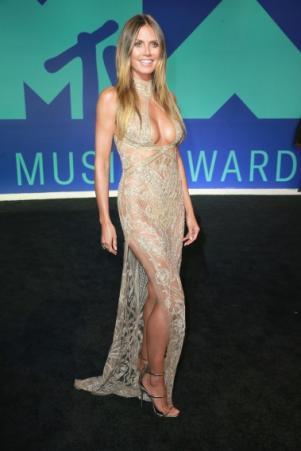 мама без платья порно фото